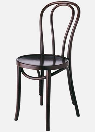 曲げ木加工の椅子